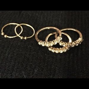 5 piece Gold Ring set Size 7